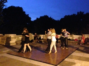 monument night